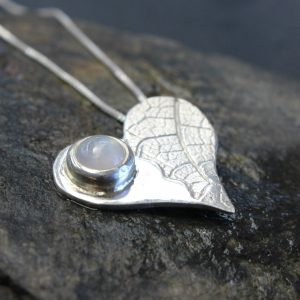 Blinkidees Sterling Silver Moonstone Leaf Pendant & Chain